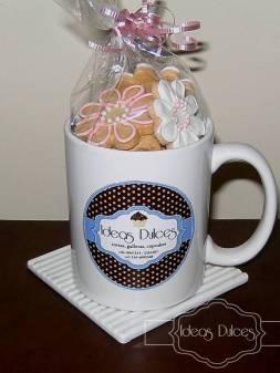 Taza de regalo Con bolsa de mini galletas Surtidas.