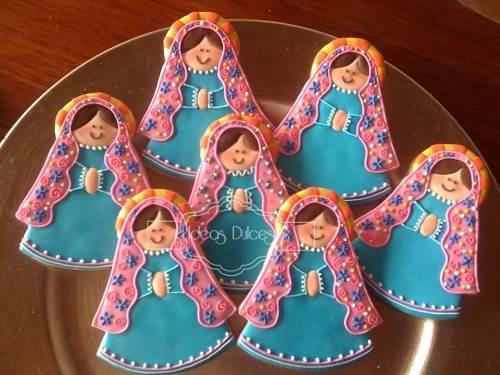 Galletas Virgencita Plis en azul y rosa