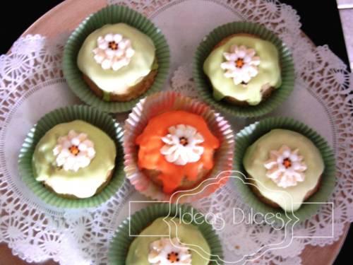 Mini Tortas de Limón con amapola y naranja Con nueces