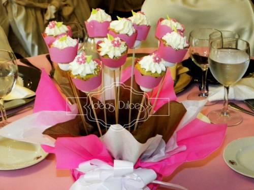 Arreglo de Mini-Cupcakes parrafo mesas