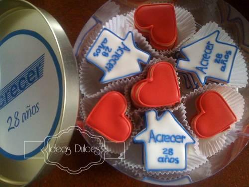 Cajas de Galletas para celebración de los 28 años de Acrecer Ltda.