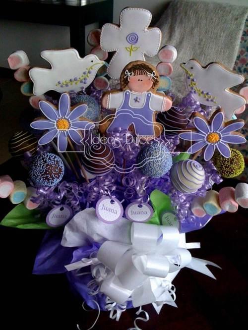 Arreglo de Cake Pops, Galletas y Masmelos para el bautizo de Juana.