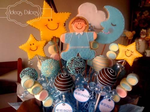 Detalle Arreglo de Cake Pops, Galletas y Masmelos para el nacimiento de Michelángelo