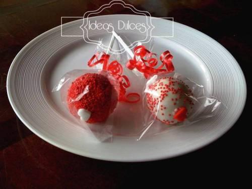 Nuestras Cake Pops para Amor y Amistad