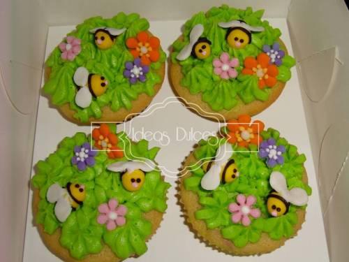Los cupcakes de abejas para  el cumple de Cata y de Luisa
