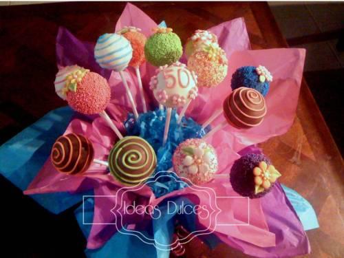 Arreglo de cake pops para el cumple de Mónica