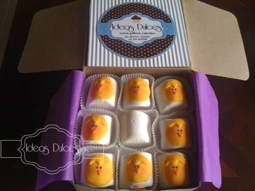 Caja de masmelos de pollitos para la hija de Zuly
