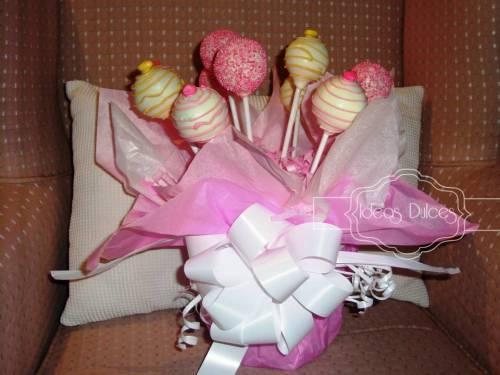 Detalle Arreglo de Cake Pops para el Cumpleaños de Mariana