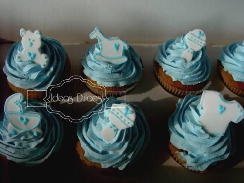 Caja de Cupcakes para el Baby Shower de la amiga de Liliana