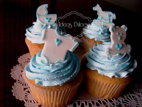 Los  60 Cupcakes para el Baby Shower de la amiga de Liliana