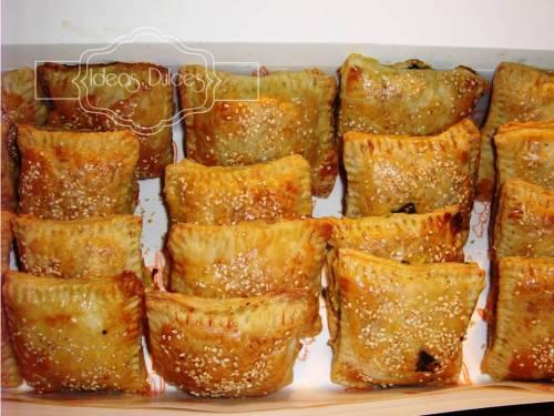 Pasteles de pollo-champiñón y de ricotta-espinaca para el Aniversario de Mónica