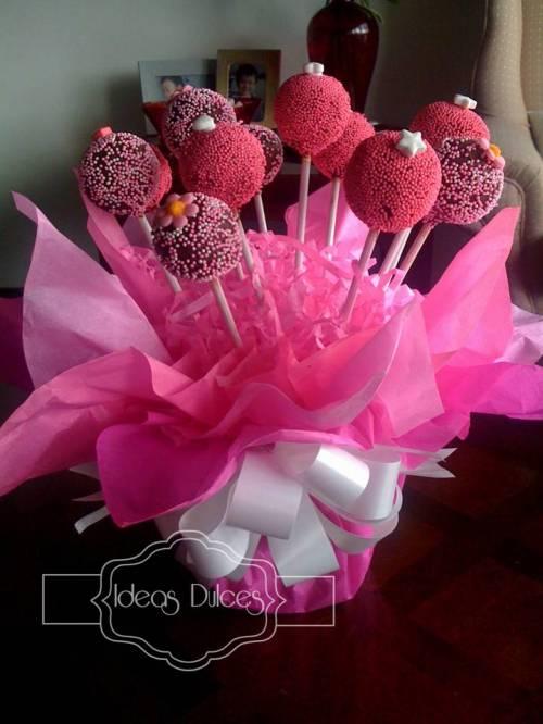 Arreglo Cake Pops Barbie para el Cumple de Isabela