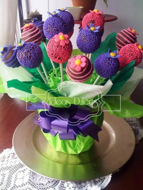 Arreglo de Cake Pops para la reunión de Pilar