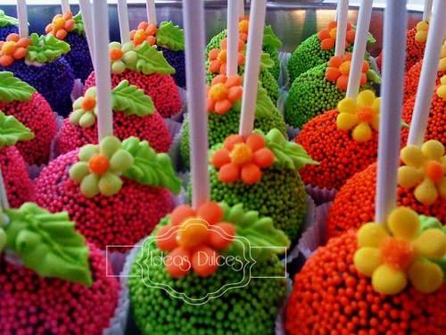 Detalle Cake Pops para la fiesta temática de DORA LA EXPLORADORA para el cumple de Sofía