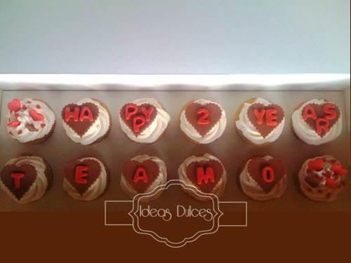 Caja de cupcakes con mensaje para regalo de Mariana