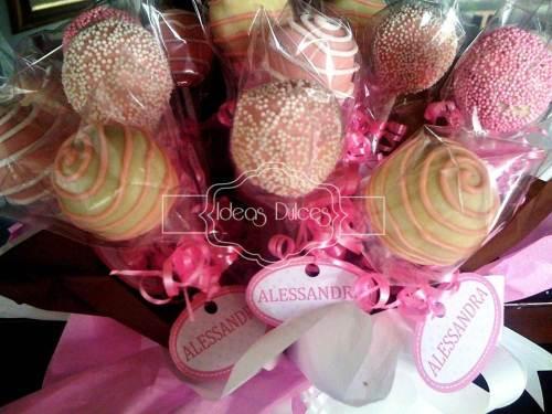 Detalle arreglo Cake Pops para el nacimiento de Alessandra