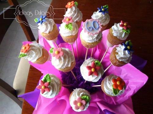 Detalle arreglo de Mini-Cupcakes para Yolanda