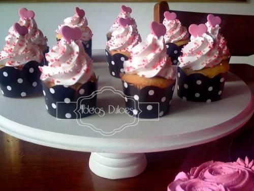 Detalle Cupcakes para la fiesta temática Barbie para el cumpleaños de la hija de Luz Stella
