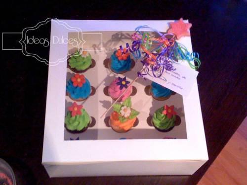 Caja de Cupcakes de regalo para Luisa