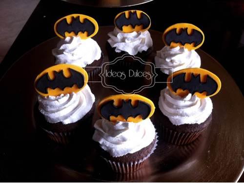 Cupcakes Batman para el cumple del hijo de Aura Rocío