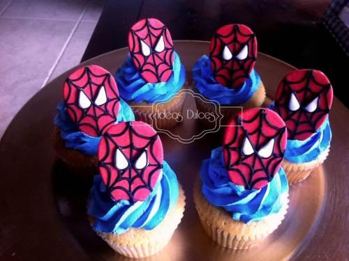 Cupcakes del Hombre Araña para el cumple del hijo de Aura Rocío