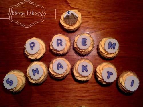 Detalle de Cupcakes para la celebración de la Academia Prem Shakti por Primer Puesto obtenido en Egipto