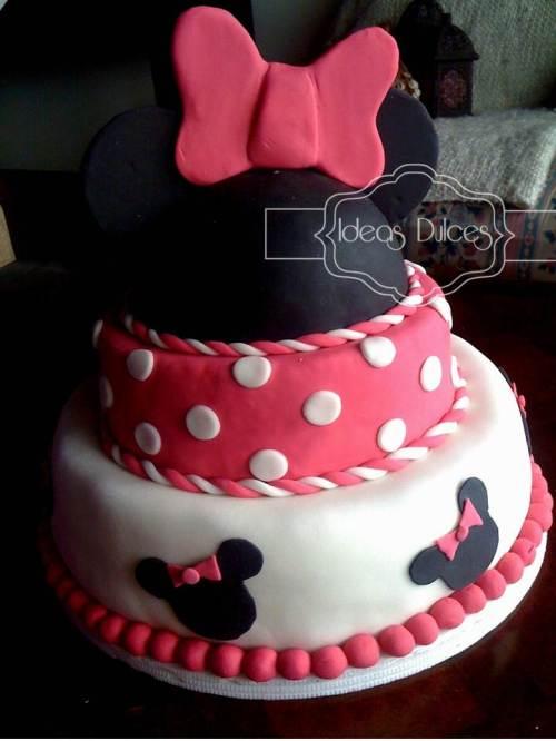 Torta de Minnie Mouse para el segundo cumpleaños de Antonia
