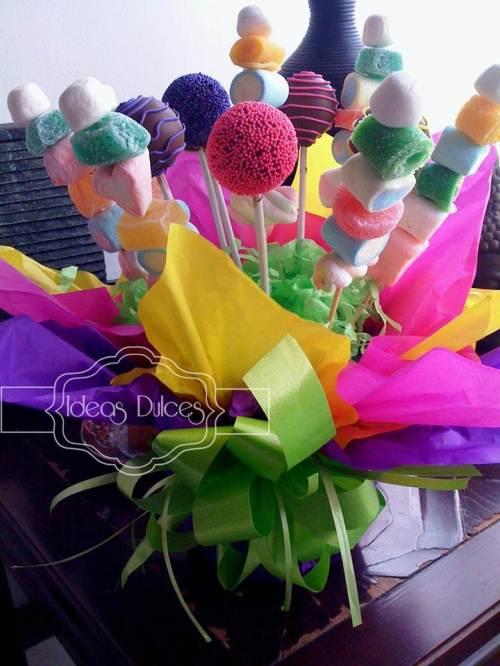"""Arreglo de Cake Pops y Masmelos para fiesta temática de """"Circo"""" de los 15 años de Ma. Camila"""