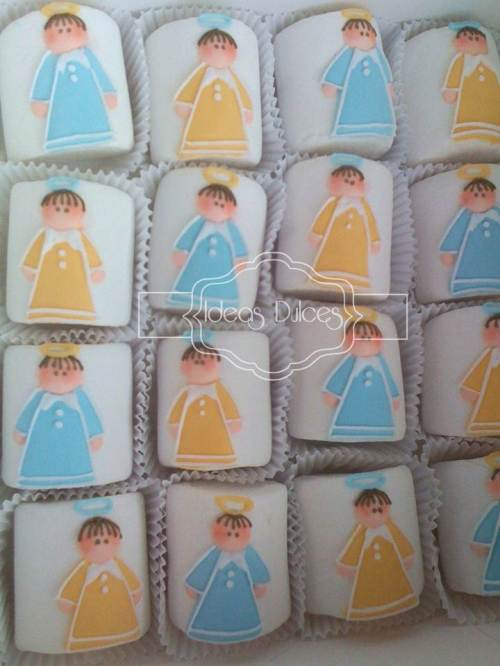 Masmelos pasaboca  sobre capacillos para el Baby Shower de Santiago