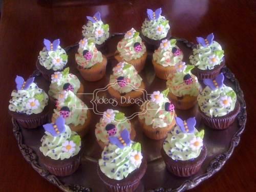 Mini-cupcakes para el cumpleaños de la hija de Paola