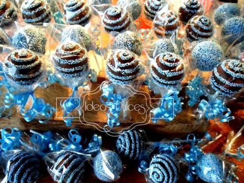 90 cake pops para el bautizo del ahijado de Andrea