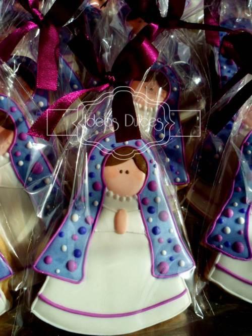 Galletas Virgencita Plis en tonos Lila
