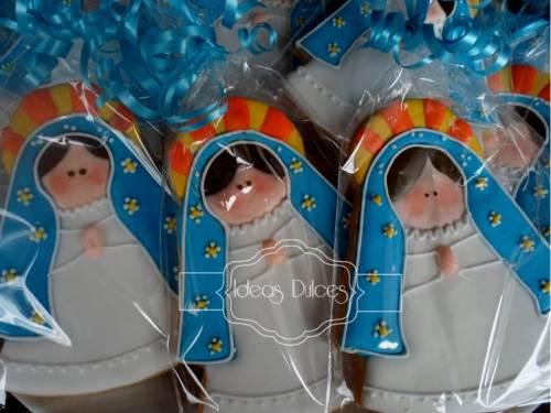 Virgencitas Plis en turquesa para la Primera Comunión de Manuela