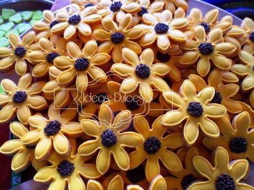 Flores y corazones para Mesa Dulce de Matrimonio en Bucaramanga