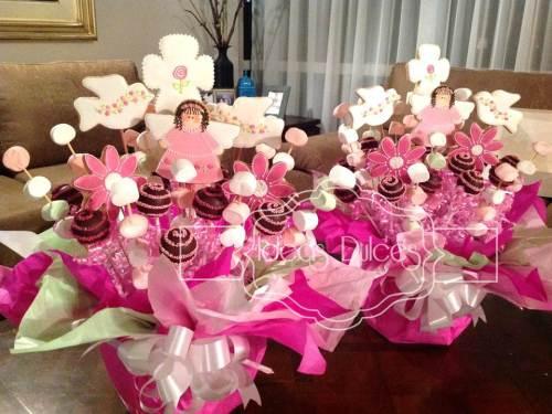 Arreglos para Mesa Principal Primera Comunión en fucsia y rosa