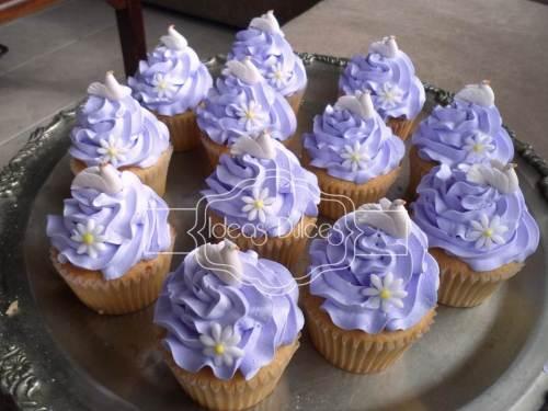Cupcakes para Bautizo en lila.