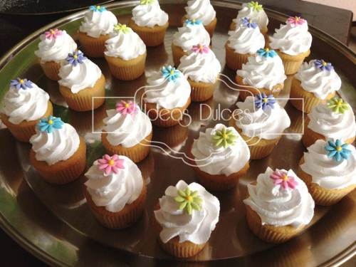 Mini-Cupcakes para mesa dulce Primera Comunión