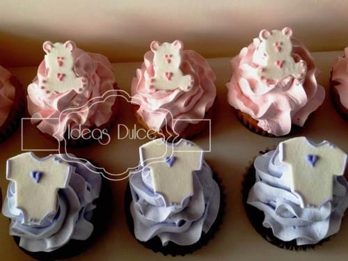 Cupcakes en rosa y lavanda para el Baby Shower de una bebita.