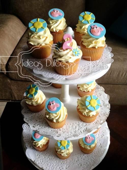 Torre de Cupcakes inspirados en PEPPA PIG