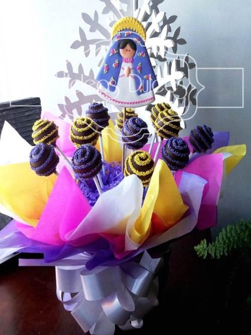 Arreglo de Cake Pops y Virgencita Plis