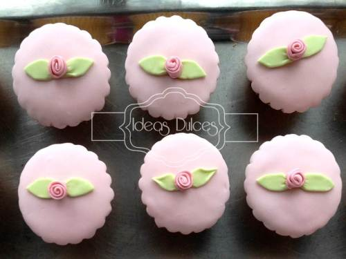 Cupcakes con rosas para Bautizo