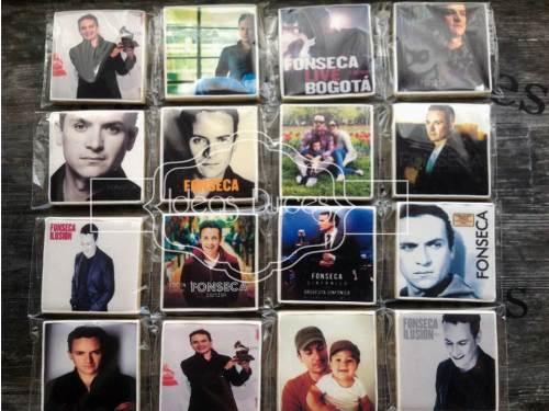 Galletas con las carátulas de los CD's de Fonseca