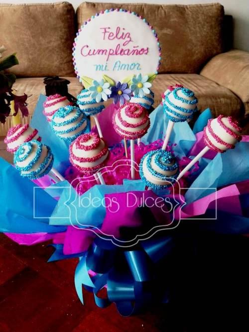 Arreglo  Cake Pops de Cumpleaños