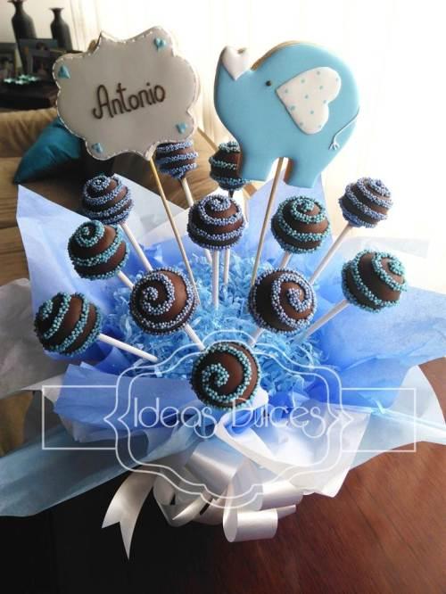 Arreglo de Cake pops para e Baby Shower de Antonio